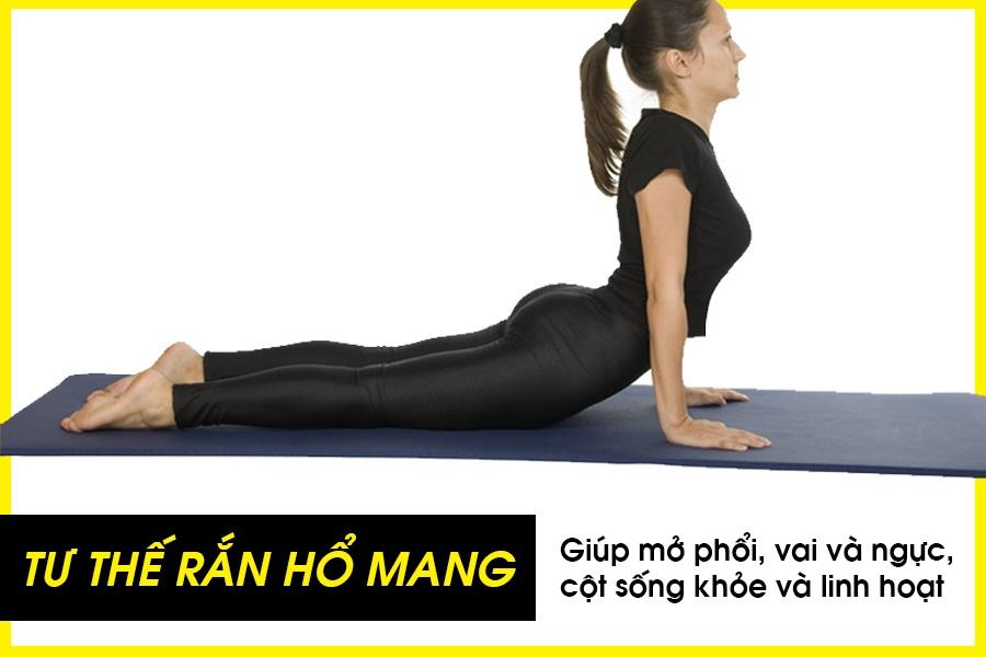 Bài tập yoga tư thế rắn hổ mang cho vòng 1 săn chắc