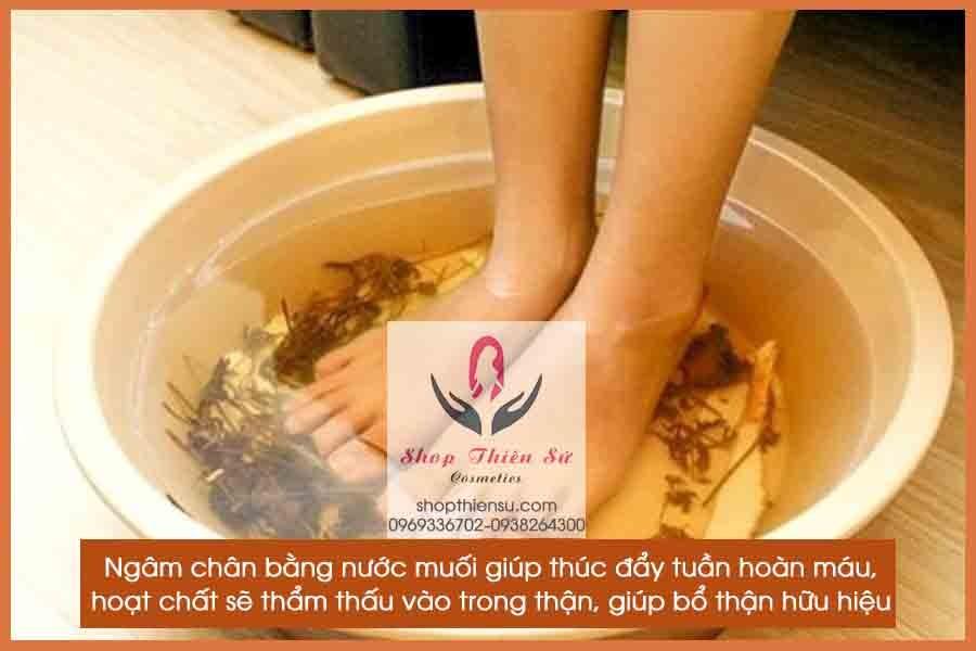 Bấm huyệt chữa bệnh thận ngâm chân